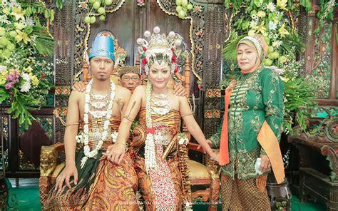 Foto Prewedding Adat Jawa Timur by Foto Pernikahan Baju Adat Jawa Model Baju Pengantin Adat