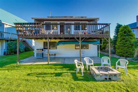 shores cottage rentals nestucca shores vacation rental 3 bd vacation rental in