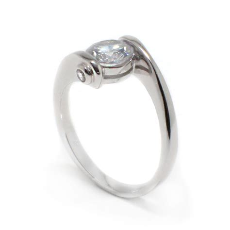 Silver Rings by Sterling Silver Center Cz Overlap Twist Ring Sbgr00392