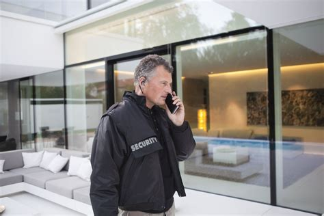 advantages and disadvantages of home security guards