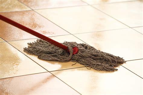fensterbank reinigen marmorboden reinigen und pflegen 187 so wird s gemacht
