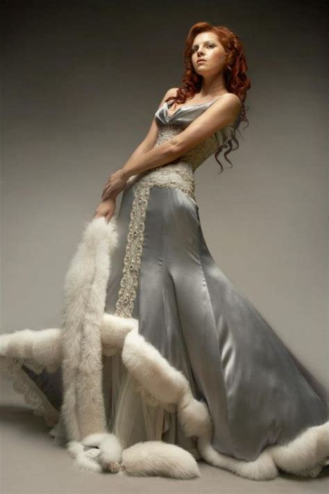 11415 Fur Combined Dress White russian winter wedding dress the color and details
