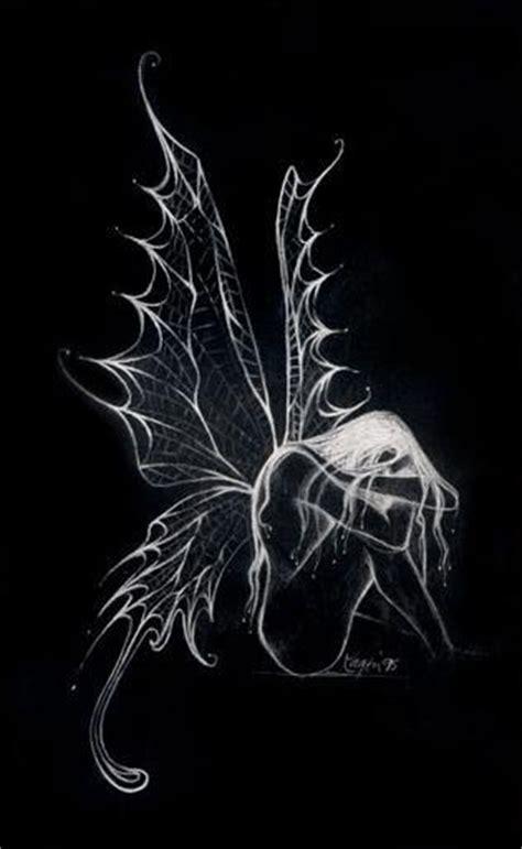 黑色翅膀素材 图片大全