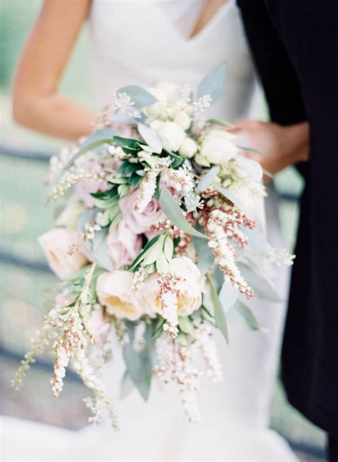 5 of the prettiest spring wedding bouquets ever top 5 spring wedding bouquets gorgeous pastels