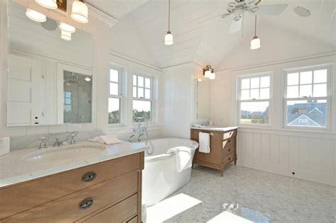 Nantucket Badezimmer by Htons Master Bathroom Style Bathroom New