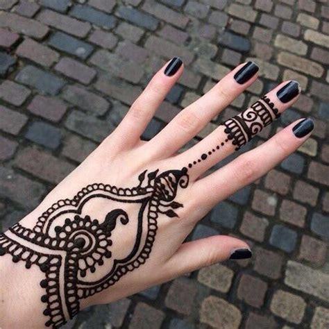desain gambar henna 20 tren desain gambar motif henna di tahun 2017 typograpic