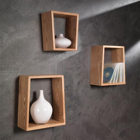mensole da muro in legno set di tre mensole brenda a muro in legno naturale