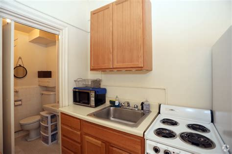 3 bedroom apartments baltimore 100 west university apartments rentals baltimore md