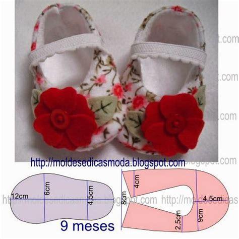 sapatinhos de beb on pinterest shoe pattern baby shoes and tutorial pitter patter a baby shoe molde de