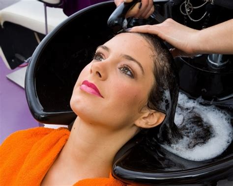 How To Wash Your Hair Less Frequently by How Often Should You Wash Your Hair How Frequently