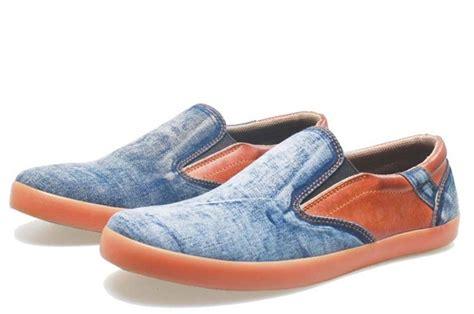 Merk Sepatu Kets Cowok foto sepatu kets cowok tanpa tali baz 994 tahun 2016