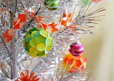 craft maniacs 3d paper ball ornament