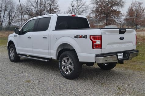 ford   xlt wd crew cab crew cab pickup  fayetteville fc superior