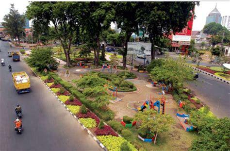 taman kota surabaya isi dunia