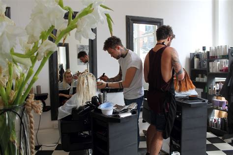 Hair Dresser In by Picking A Hairdressers In Leeds Leeds List