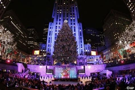 christmas traditions and celebrations in new york city
