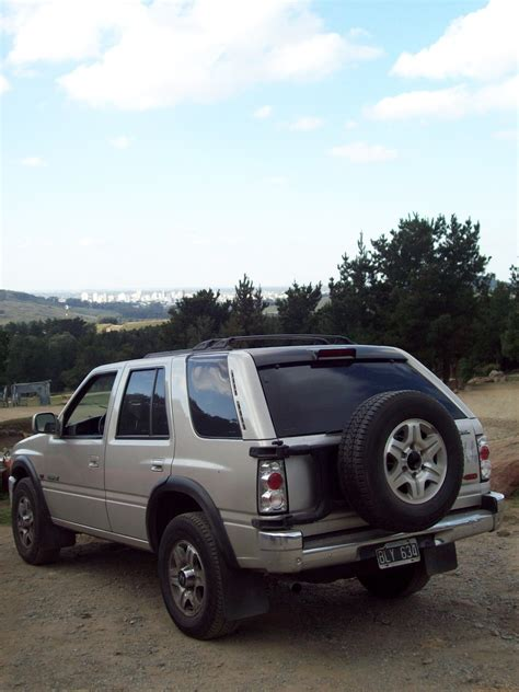 isuzu rodeo overview cargurus