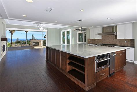 Large Kitchens With Islands Large Kitchen Island Kenangorgun