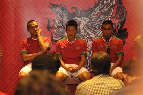 galeri launching jersey baru timnas indonesia jersey