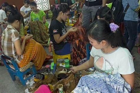 The Weekend Readfoto T Leclerecoukcom by Yuk Melihat Proses Pembuatan Batik Tradisional Di Sleman