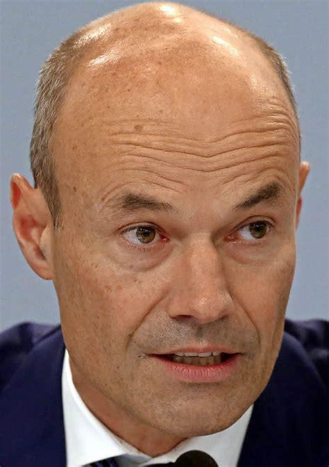 deutsche bank emmendingen deutsche bank will postbank integrieren und braucht