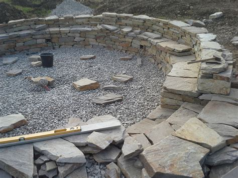 feuerstelle naturstein trockensteinmauern garten und 246 ffentlicher bereich
