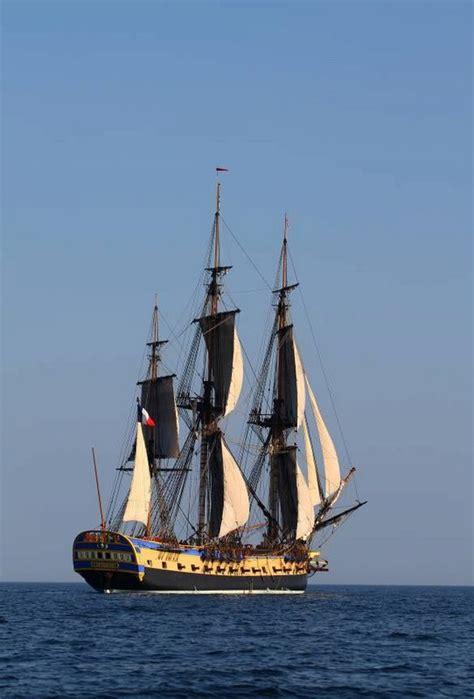 le bateau hermione a bordeaux son et lumi 232 re de l hermione 224 bordeaux bordeaux l