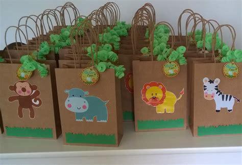 sacolinha surpresa para festa infantil pictures to pin on pinterest festa infantil tema floresta safari jungle animais animals