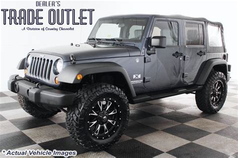 Best 35 Tires For Jeep Wrangler 25 Best Ideas About 35 Inch Tires Su Jeep