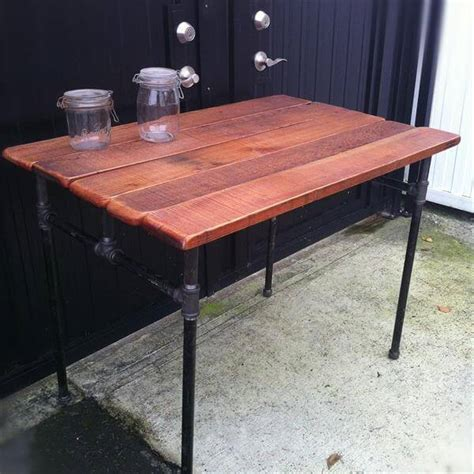 Diy Industrial Pallet Pipe Desk 101 Pallets Diy Desk Pipe