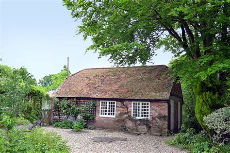 Weekend Cottage New Forest by New Forest Cottages