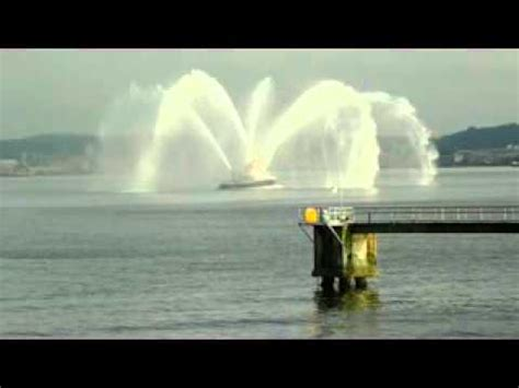 fire boat water cannon seattle fire boat blasting water cannons 2011 youtube