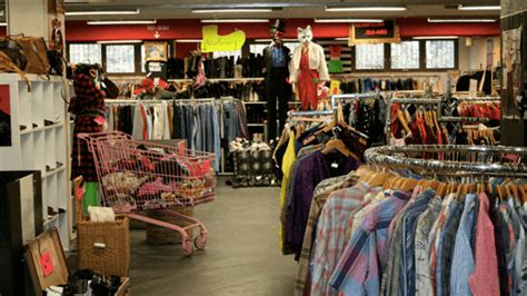 garage nollendorfplatz berlin 11 orte zum vintage shopping in berlin mit vergn 252 berlin