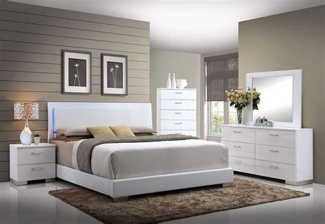 Led Bedroom Set by Lorimar Led Trim Upholstered Bedroom Set Bedroom Sets