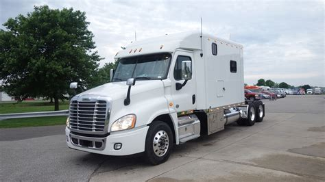 Sleeper Rb by 2018 Freightliner Cascadia With 120 Inch Ari Legacy Ii Rb