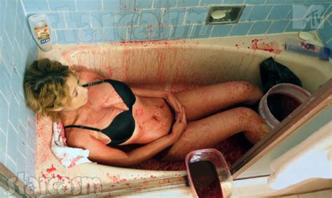 bathtub xxx video photos true life teen bathes herself in pig s blood