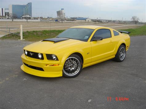 bbs wheels mustang 2005 yellow mustang gt on bbs wheels a photo on flickriver