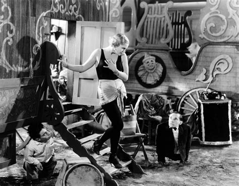 film circus queen cleopatra and freaks art blart