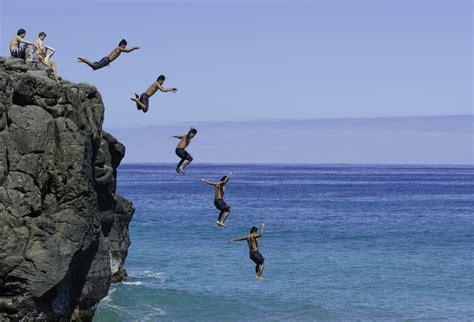 world s best cliff diving drop it like it s hot