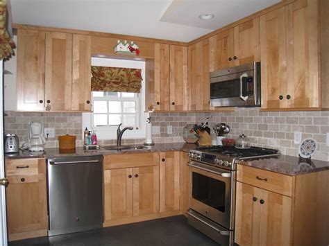subway style backsplash shaker style maple cabinets subway tile backsplash