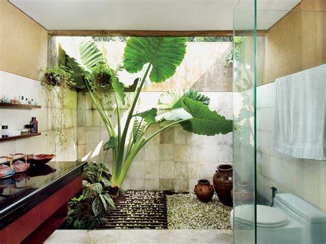 desain kamar mandi natural minimalis 30 contoh desain kamar mandi lantai batu alam renovasi