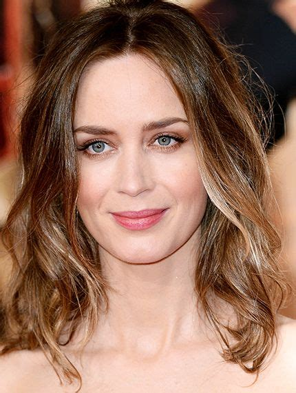 blunt cut o techniques wiki emily blunt sports a long ombre bob hair pinterest