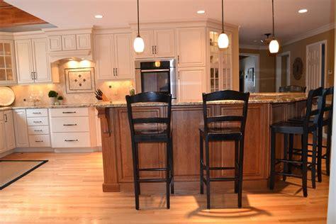 Charmant Peinture Pour Repeindre Meuble Cuisine #5: peinture-pour-repeindre-meuble-de-cuisine-avec-marron.jpg