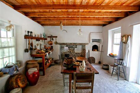 historic homes      summer kitchen