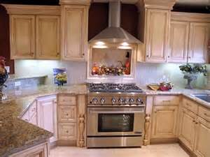 Glazed White Kitchen Cabinets White Glazed Kitchen Cabinets Kitchenidease