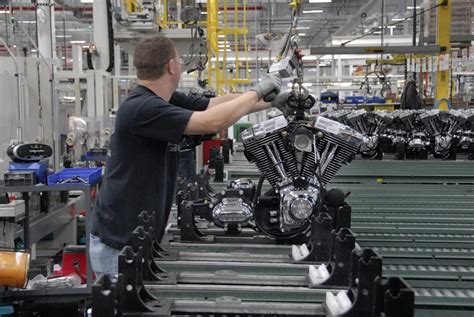 Harley Davidson Factory Tour Milwaukee by Harley Davidson Offers Factory Tours In Three Locations