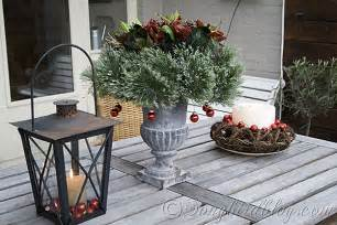 outdoor christmas decorations best 25 outdoor christmas ideas on pinterest