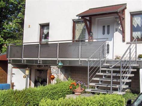 balkongeländer edelstahl balkongel 228 nder und treppengel 228 nder mit edelstahl lochblech
