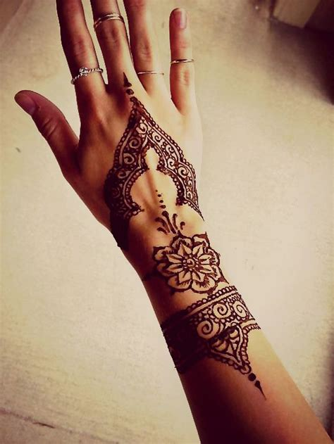 tattoo hand pinterest 17 best images about henna on pinterest simple henna