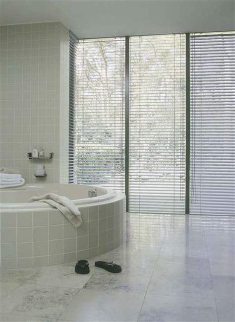 fenster integriertem sichtschutz badezimmer mit sichtschutz dekofactory